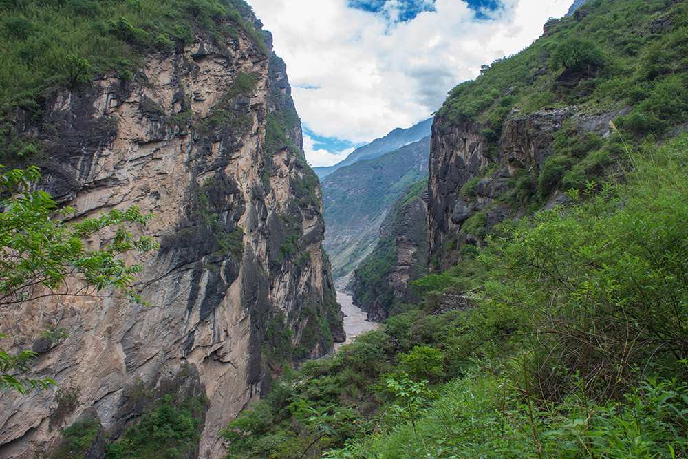 Middle Leaping Gorge